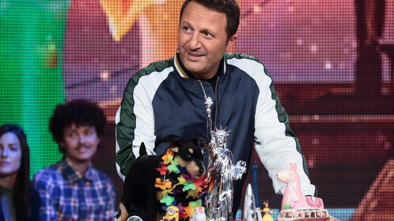Sur TF1 dès 23h30 : Vendredi, tout est permis avec Arthur