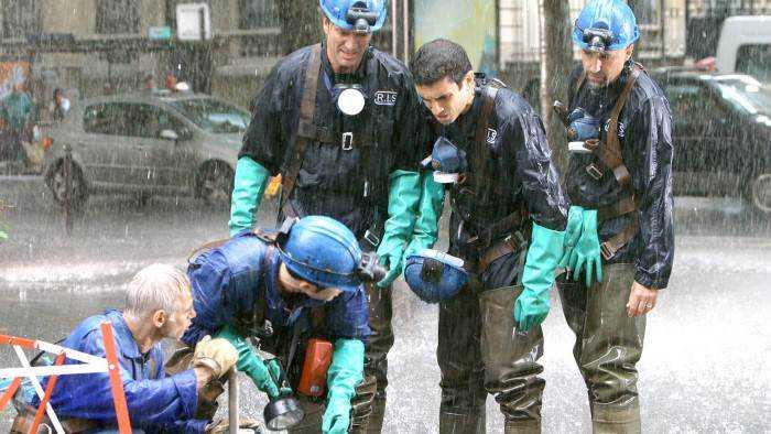 Sur 13eme RUE dès 15h25 : R.I.S. Police scientifique